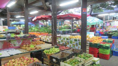 Le petit marché de St Denis (Réunion)