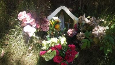 Petite chapelle fleurie - Mafate (Réunion)