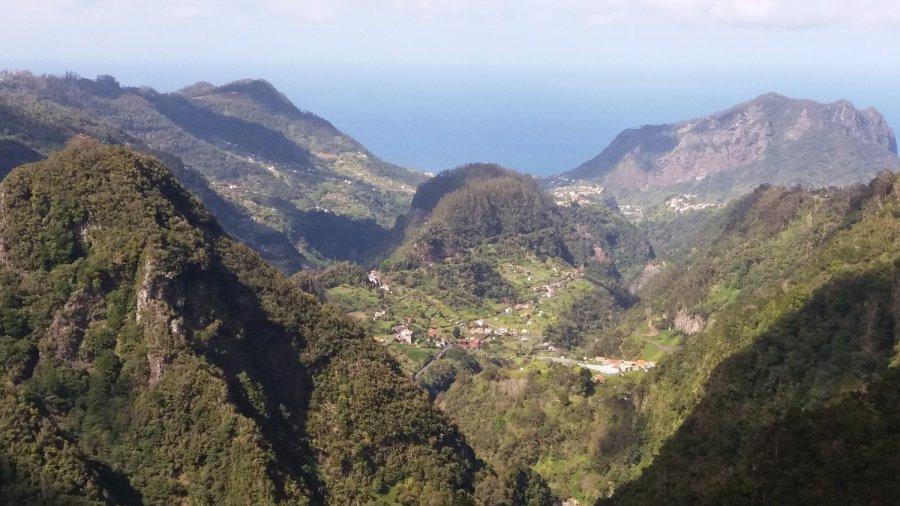 Point de vue depuis le Miradouro dos Balcoes - Madère