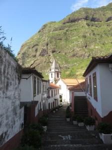 Les ruelles pavées de Sao Vicente - Madère