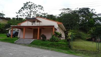 L'église du village d'El Castillo - Costa Rica