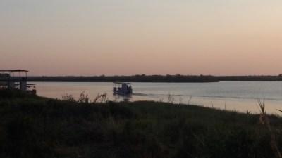 Crépuscule sur la rivière Chobe - Kasane (Botswana)