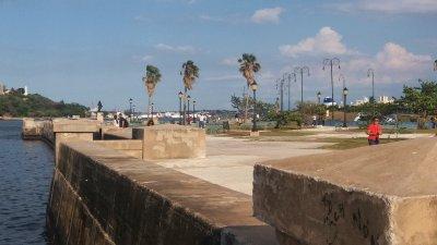 Le long du front de mer - La Havane (Cuba)