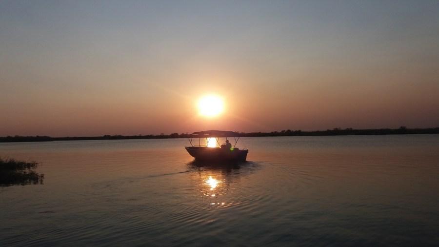 Coucher de soleil sur la rivière Chobe - Kasane  (Botswana)