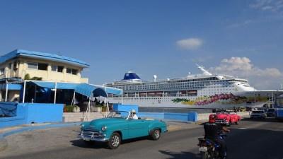 Les belles américaines le long du front de mer - La Havane (Cuba)