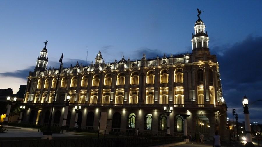 Le grand Théâtre by night - La Havane (Cuba)