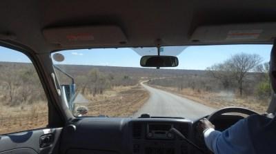 Sur ra route entre Victoria Falls et Kasane