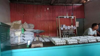 Vente d'oeufs au village de Vinales - Cuba