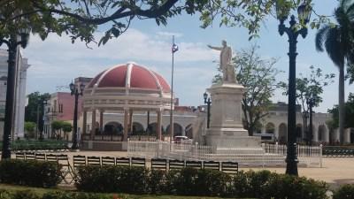 La place José Marti - Cienfuegos (Cuba)