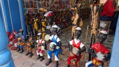 Magasin de souvenir dans les rues pavées de Trinidad - Cuba