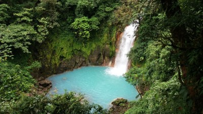 La cascade du Rio Celeste dans le parc du volcan Tenorio - Costa Rica