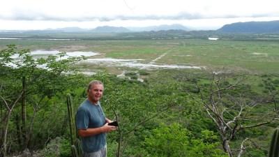 Depuis le belvédère avec le serpentement de la rivière Tempisque - Parc de Palo Verde (Costa Rica).