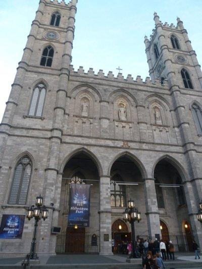 La basilique Notre Dame  (Montréal - Québec)