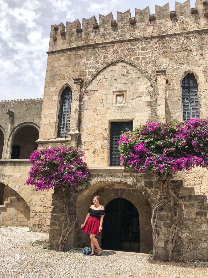 Hospice des chevaliers à Rhodes dans mon article Rhodes en Grèce : Petit guide pour savoir que faire à Rhodes et visiter #rhodes #ilesderhodes #rhodesengrece #grece #ile