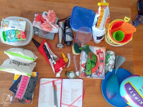 Mes accessoires divers pour mon voyage dans notre article Liste de choses à apporter en voyage : méthode efficace pour préparer ses bagages #bagage #sacados #valise #listedevoyage