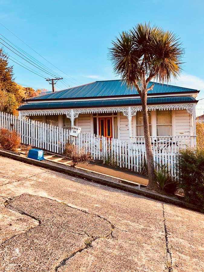 Baldwin street à Dunedin en Nouvelle-Zélande dans notre article Road trip en Nouvelle-Zélande : Mes 5 semaines à vivre sur la route #nouvellezelande #roadtrip #oceanie #voyage