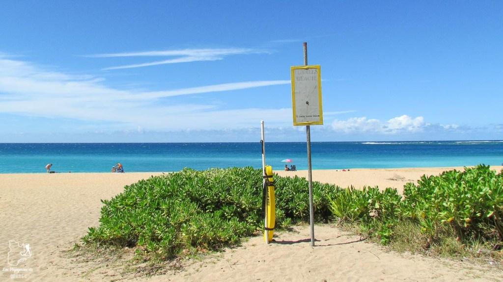 Tunnels beach sur l'île de Kauai à Hawaii dans notre article sur Visiter Kauai à Hawaii : 12 incontournables à faire sur l'île de Kauai #kauai #hawaii #voyage #usa #ile #iledekauai #kauaihawaii #plage