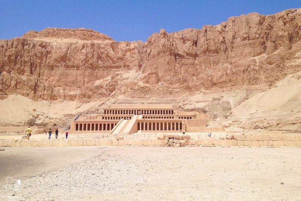 Temple de Hatshepsut à Louxor en Égypte dans notre article Le Nil en Égypte : L'itinéraire de mon voyage sur le Nil en train #egypte #nil #afrique #train #voyage #louxor