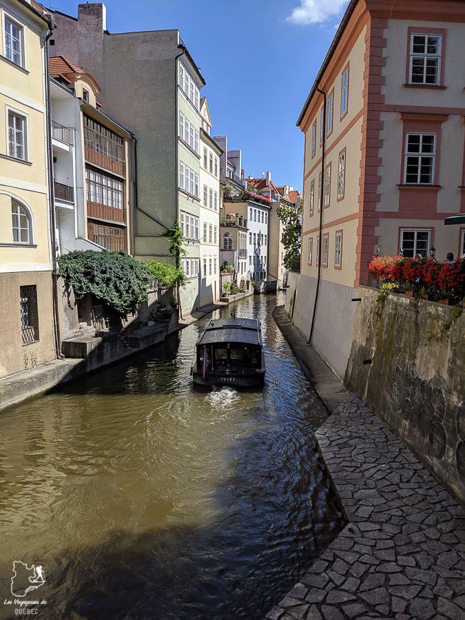 Croisière sur la rivière Vltava de Prague, à faire lors d'un week-end dans notre article Que faire à Prague : Les incontournables pour visiter Prague en un week-end #prague #republiquetcheque #citytrip #week-end #europe #voyage