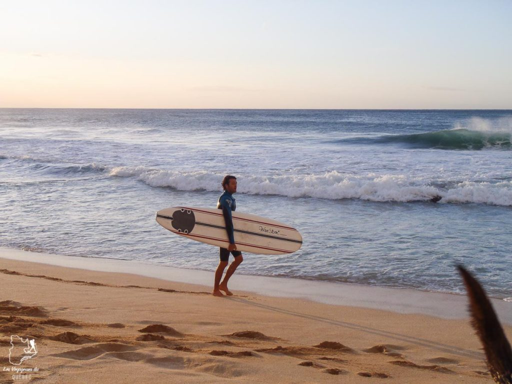 Banzai Pipeline, pour voir des pros du surf sur Oahu avant les compétitions dans notre article Le surf à Oahu : Mes plus beaux spots de surf sur cette île d'Hawaii #surf #oahu #waikiki #usa #voyage #spotdesurf