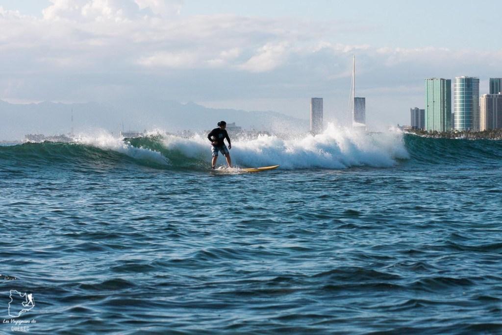 Pops surf spot à Waikiki dans notre article Le surf à Oahu : Mes plus beaux spots de surf sur cette île d'Hawaii #surf #oahu #waikiki #usa #voyage #spotdesurf