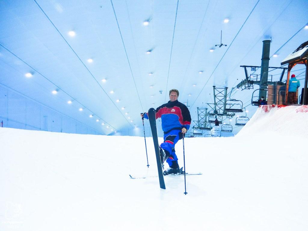 Ski intérieur à Dubaï lors de mon tour du monde d'un an dans notre article Mon tour du monde d'un an à 50 ans : le voyage d'une vie #tdm #tourdumonde #voyage #voyageunan #senior