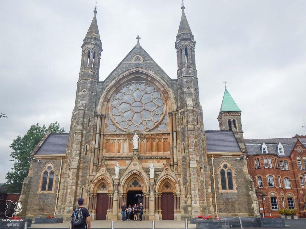 Visiter Belfast et le Clonard Monastery dans notre article Visiter Belfast en Irlande du Nord : que faire à Belfast, un musée à ciel ouvert #belfast #irlandedunord #royaumeunis #voyage #citytrip #europe