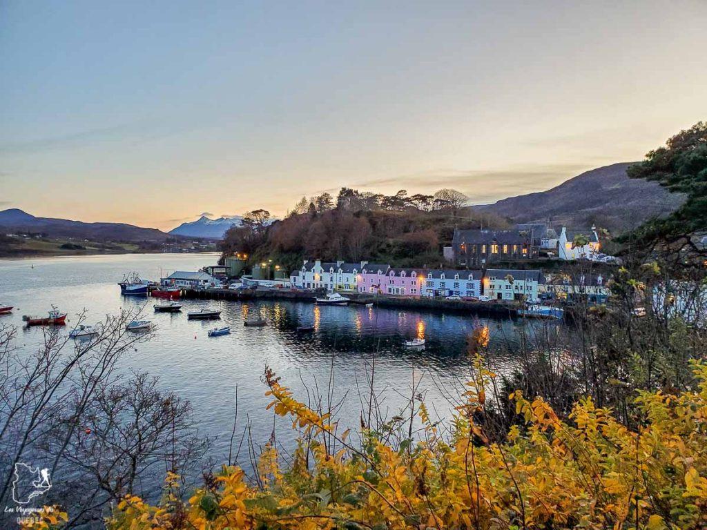 Portree sur l'île de Sky en Écosse dans notre article Road trip en Écosse : Une semaine de road trip sportif et gastronomique #ecosse #roadtrip #europe #grandebretagne #royaumeunis #voyage