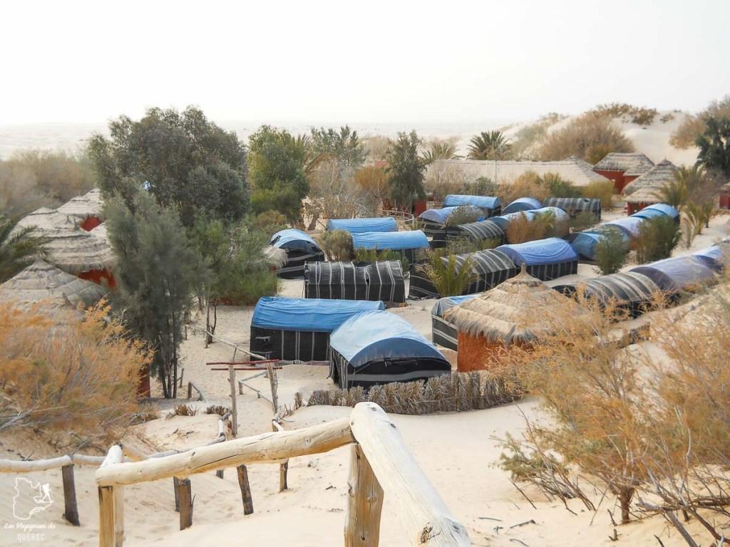 Campement Zaafrana dans le désert du Sahara dans notre article Déserts du monde : L'expérience mystique du Sahara, Thar et Wadi Rum #deserts #desert #sahara #thar #wadirum #voyage