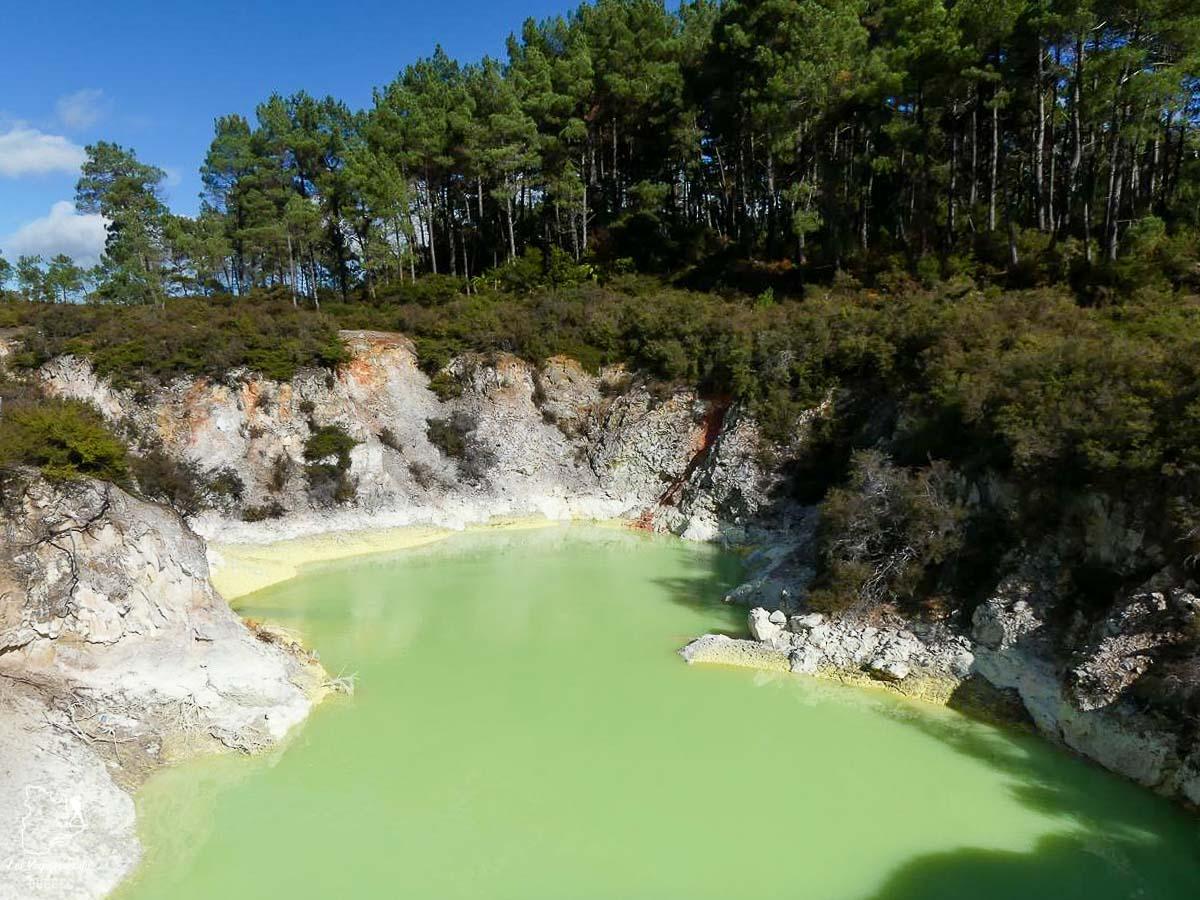 Vallée volcanique Waimangu à Roturua en Nouzelle-Zélande dans notre article Trek en Nouvelle-Zélande : 5 randonnées à faire sur l'île du nord en Nouvelle-Zélande #trek #randonnee #iledunord #nouvellezelande #oceanie #voyage