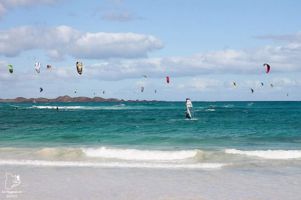 Fuerteventura, dans les Canaries, un paradis pour le kitesurf dans notre article Visiter Fuerteventura : petit paradis des îles Canaries en Espagne #Fuerteventura #canaries #espagne #voyage #ile