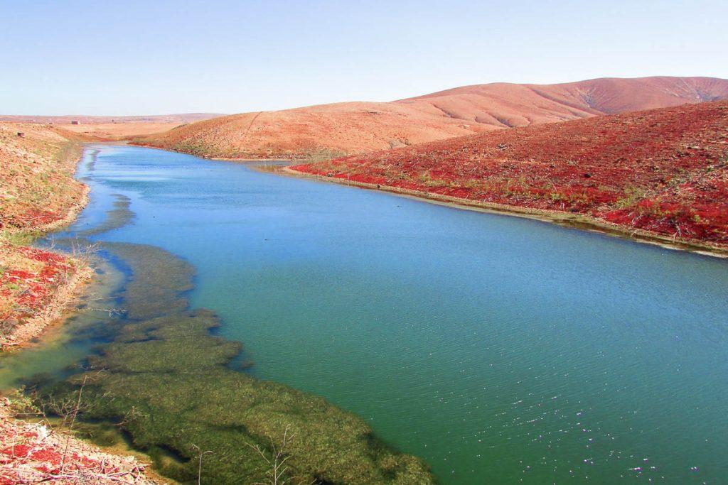 Réservoir d'eau de Fuerteventura dans notre article Visiter Fuerteventura : petit paradis des îles Canaries en Espagne #Fuerteventura #canaries #espagne #voyage #ile