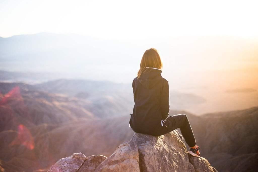 Être bienveillante envers soi-même en voyage dans notre article Voyage et image corporelle: Comment passer outre nos préoccupations pour profiter du voyage #voyage #imagecorporelle #surplusdepoids