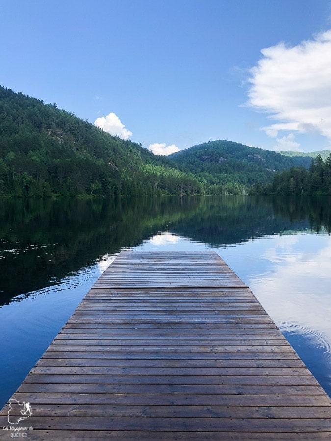 Premier Lac Castor sur le Sentier national dans notre article Randonnée dans Lanaudière : 100 km sur le sentier national (sentier de la Matawinie) #randonnee #lanaudiere #matawinie #sentiernational #quebec #canada