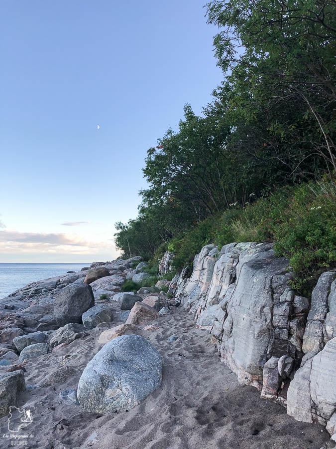 Plage Champlain à Baie-Comeau dans notre article Road trip sur la Côte-Nord au Québec : Itinéraire voyage de 10 jours en van #cotenord #quebec #bonjourquebec #canada #roadtrip #voyage