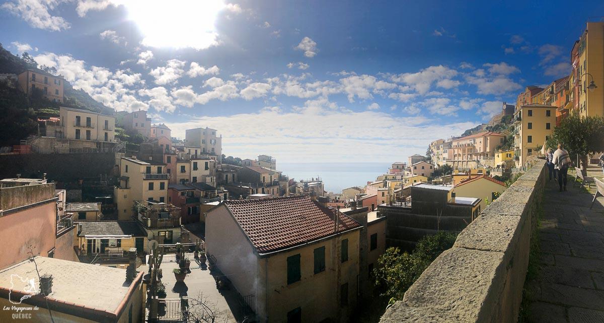 Riomaggiore, village des Cinque Terre en Italie dans notre article Visiter les Cinque Terre en Italie avec ses charmants villages colorés #cinqueterre #italie #ligurie #voyage #europe