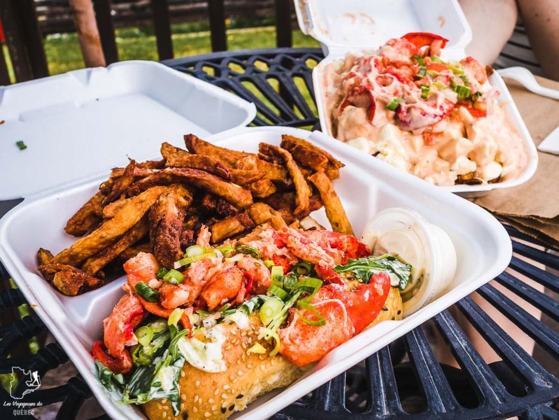 Lobster roll de Chez Mag à l'Île d'Orléans dans notre article Visiter l'Île d'Orléans au Québec : Incontournables d'une escapade gourmande lors d'un tour de l'Île d'Orléans #ileorleans #quebec #canada #voyage #escapadegourmande