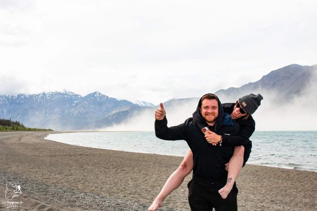 Le lac Kluane au Yukon au Canada dans notre article Mon road trip au Yukon au Canada : 12 jours de liberté en truck camper au gré du vent #yukon #canada #roadtrip #voyage