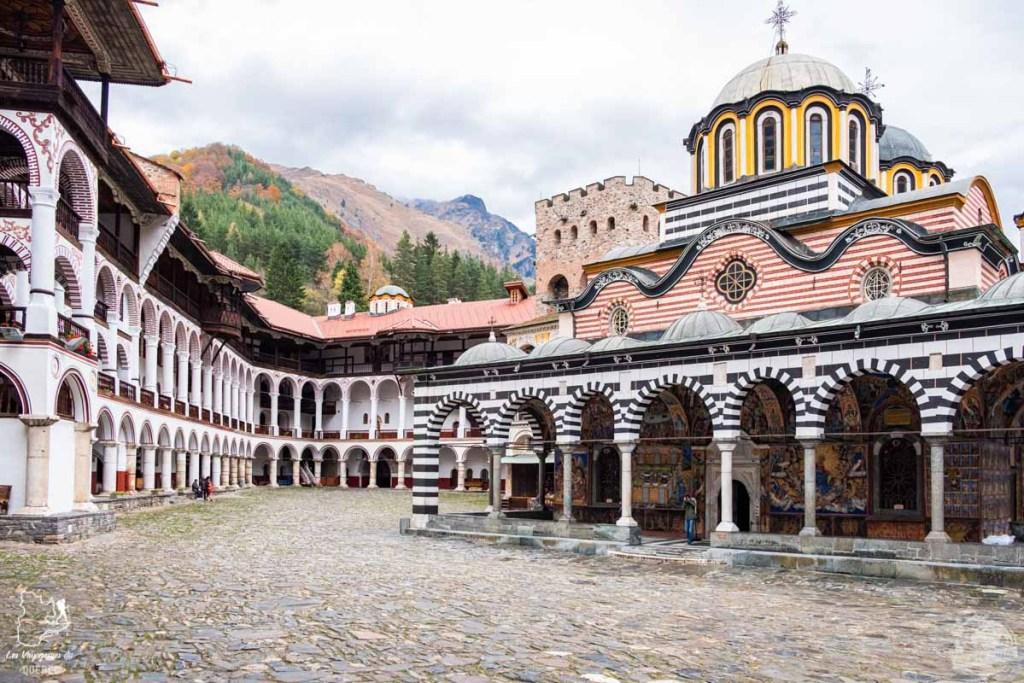 Monastère de Rila en Bulgarie dans notre article Visiter la Bulgarie : itinéraire et conseils pour 1 mois de voyage en Bulgarie #bulgarie #europe #europedelest #voyage