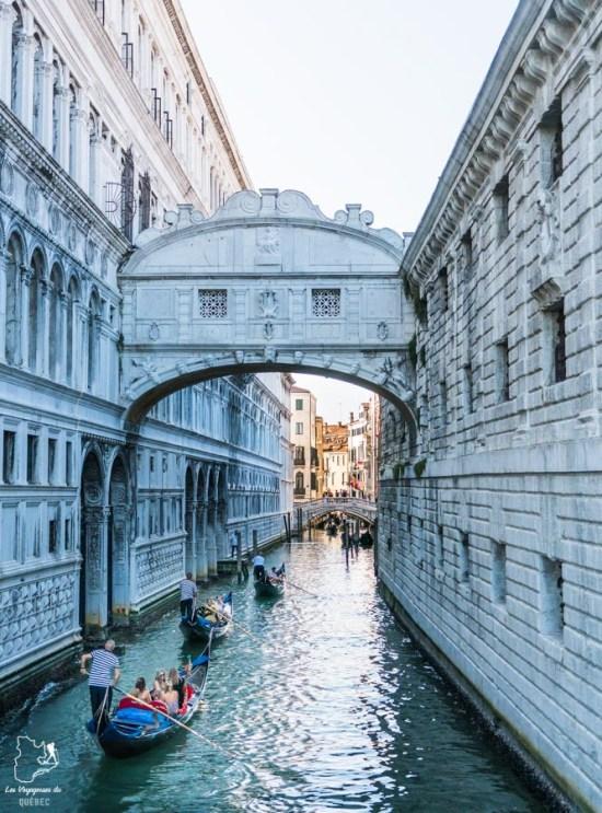 Le Pont des Soupirs à Venise dans notre article Visiter Venise en 4 jours : Que voir et que faire à Venise en Italie #venise #venetie #italie #voyage #europe