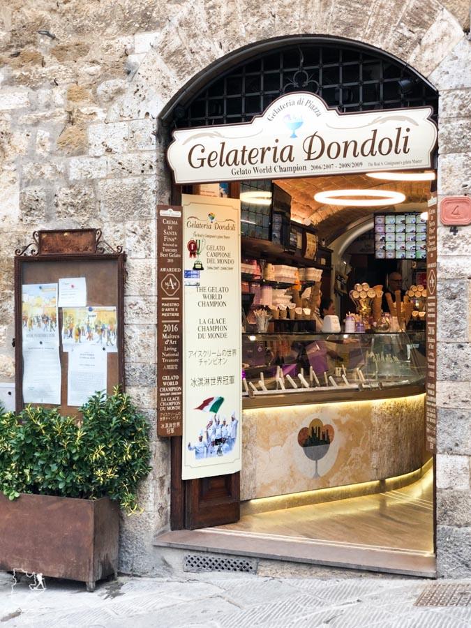 Gelateria Dondoli à San Gimignano en Toscane dans notre article Mon weekend à visiter San Gimignano en Italie : Magnifique ville fortifiée de la Toscane #sangimignano #toscane #italie #unesco #voyage