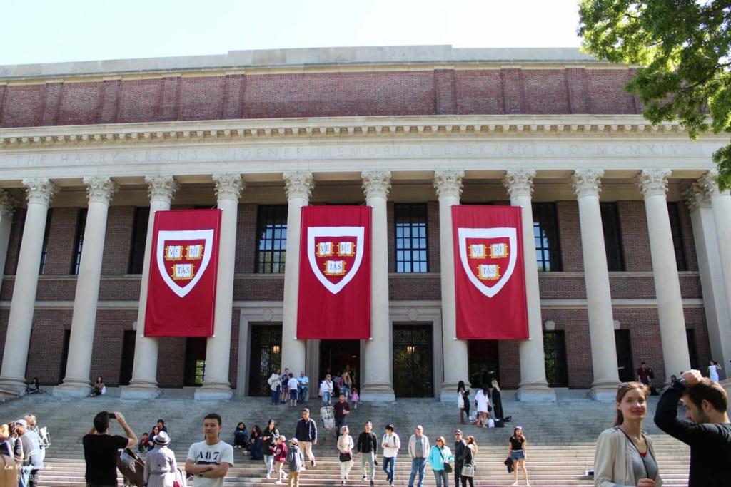 Harvard University à Cambridge en Nouvelle-Angleterre dans notre article Visiter la Nouvelle-Angleterre aux USA : Que voir lors d'un road trip de 3 jours #road trip #nouvelleangleterre #usa #etatsunis #itineraire