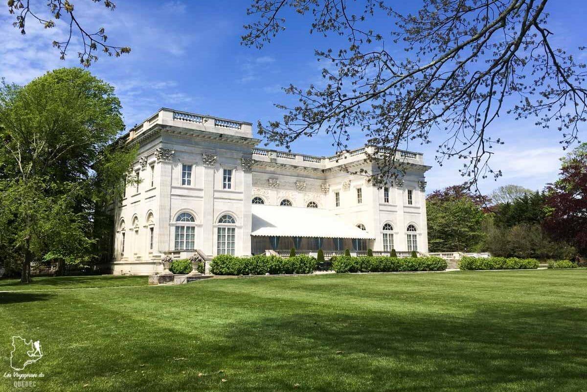 Le manoir Marble House à Newport en Nouvelle-Angleterre dans notre article Visiter la Nouvelle-Angleterre aux USA : Que voir lors d'un road trip de 3 jours #road trip #nouvelleangleterre #usa #etatsunis #itineraire