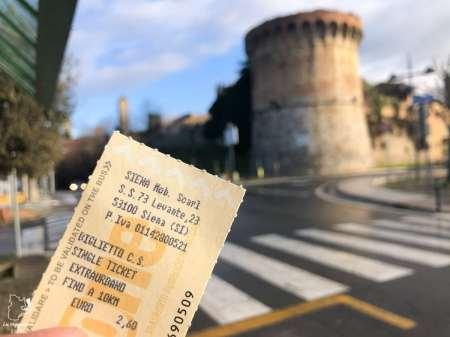 Se rendre en bus à San Gimignano depuis Sienne dans notre article Mon weekend à visiter San Gimignano en Italie : Magnifique ville fortifiée de la Toscane #sangimignano #toscane #italie #unesco #voyage