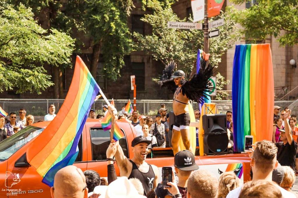 Parade de la fierté gai à Montréal dans notre article Visiter le Canada autrement : Ma traversée du Canada hors des sentiers battus #canada #roadtrip