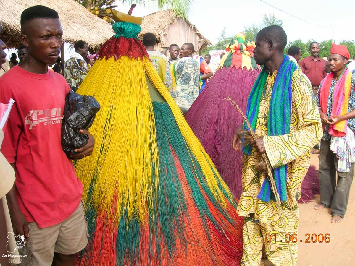 Zangbéto dans le vaudou au Bénin en Afrique dans notre article Voyage au Bénin: Le Bénin en Afrique en 8 incontournables à visiter #benin #afrique #voyage