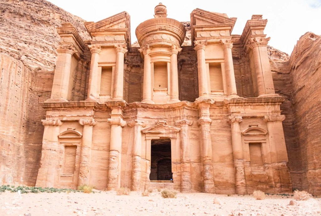 Le monastère de Petra en Jordanie dans notre article Visiter la Jordanie: Mon itinéraire de 2 semaines en road trip en Jordanie #jordanie #road trip #voyage