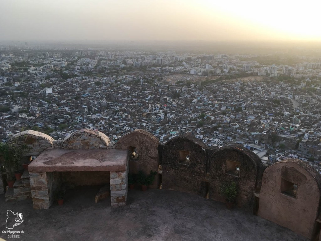 Vue de Jaipur dans notre article Visiter le Rajasthan en Inde : Itinéraire et conseils pour un voyage dans cet État du Nord de l'Inde #rajasthan #inde #itineraire #voyage