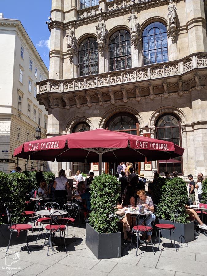 Café central de Vienne dans notre article Visiter Vienne en Autriche : que voir et que faire à Vienne en 5 jours #vienne #autriche #europe #voyage