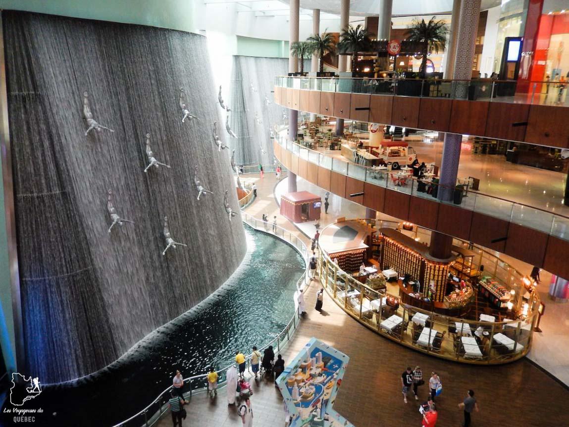Faire du shopping dans un Mall de Dubaï dans notre article Visiter Dubaï avec un petit budget : Que faire à Dubaï et voir pour un séjour pas cher #dubai #emiratsarabesunis #asie #voyage